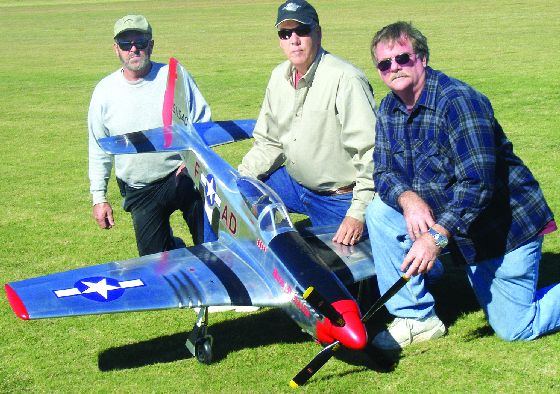 Aeroworks, aeroworks North American P-51 Mustang, p-51 mustang, model airplane news, model airplanes, model aviation, photo 2, da, 3 men, solo props