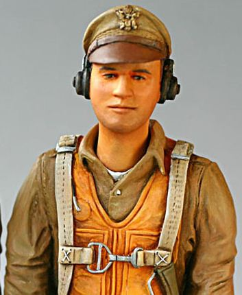 Best Pilots Scale Busts and Figures, painted bomer pilot, painted crew member, scale warbird, photo 5, model airplane news, model airplanes, man