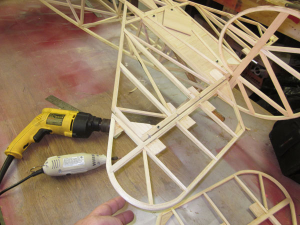 Workshop Tips -- Giant Scale Hinging Made Easy