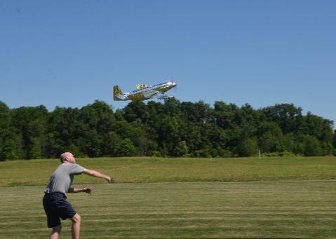 Rick Sawicki photo,D Sumner throwing