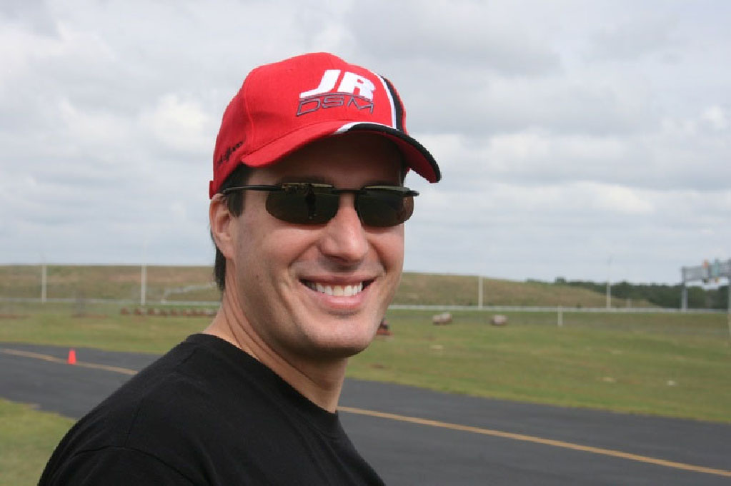 A Main Hobbies Signs Frank Columbia as 2011 Flight Team Manager
