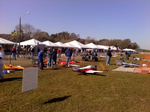 top gun, top gun 2011, model airplane news crew, model airplane news editors, photo 4, field, getting ready