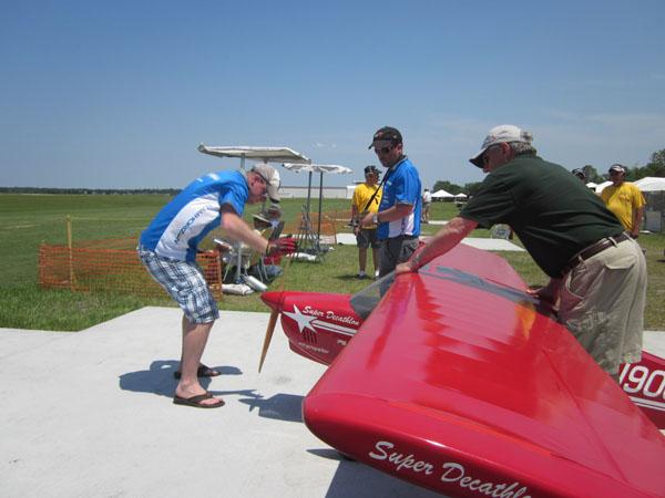 flightline, top gun, model airplane news, model airplanes, model aviation, paradise field, photo 4, super decath, red