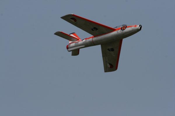 Brian O'Meara's F-84F, pro-am, f-model f-84, top gun, thunderjet, jetcat 200 turbine, 1985 dutch airship, phantasy in the blue, brian o'meara, photo 4, red, soaring, model airplane news jets