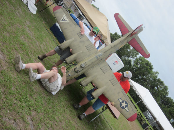 top gun, top gun 2011, top gun scale invitational 2011, model airplane news, red, blue, star