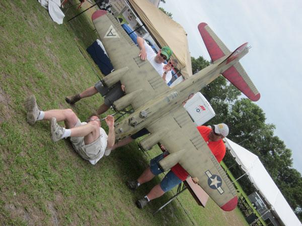 top gun, top gun 2011, top gun scale invitational 2011, model airplane news, red, blue, star