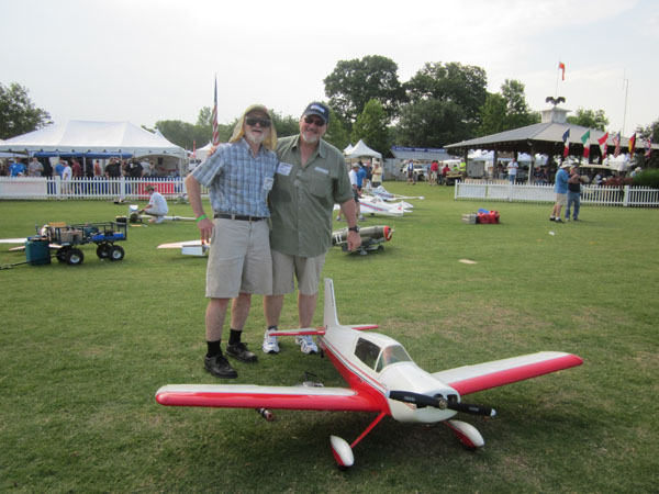 joe nall giant scale fly in 2011, joe nall giant scale 2011, joe nall 2011, joe nall, joe nall wednesday may 11 2011, model airplane news, live joe nall coverage 2011 model airplane news, pic 1, 2 guys