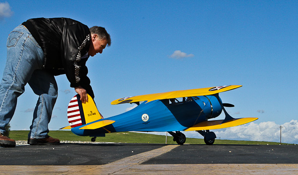 nick ziroli plans, staggerwing, ziroli staggerwing, model airplane news, rc airplanes, photo 2, man, yellow