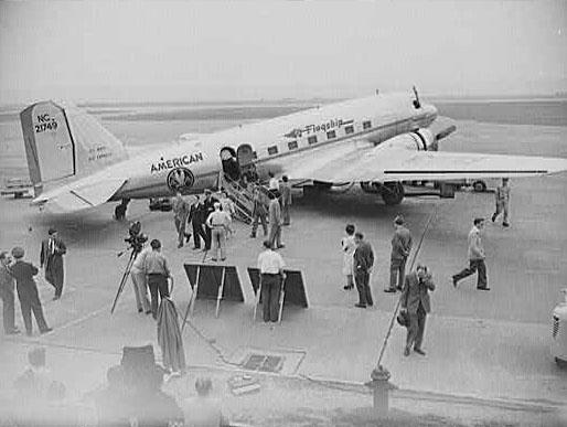 Douglas DC-3 American