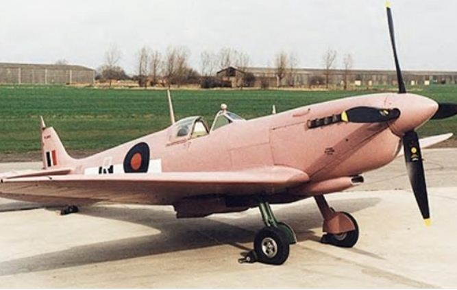 A pink (?!) WW II warbird?