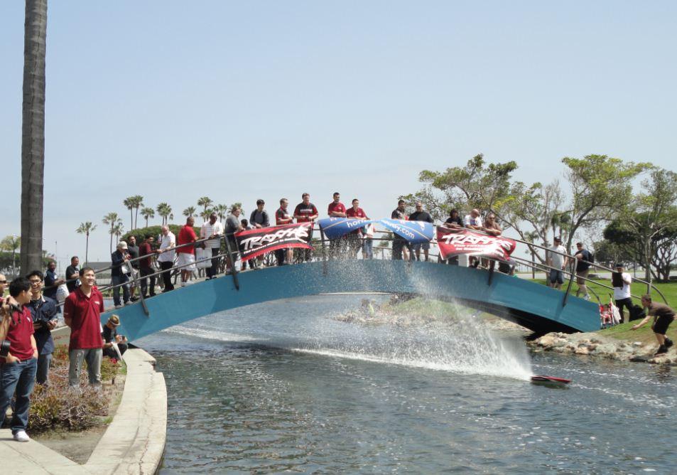 Outdoor boat racing circuit