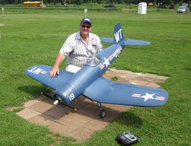 Exclusive Test Flight: Top Flite Giant Scale F4U Corsair ARF w/video
