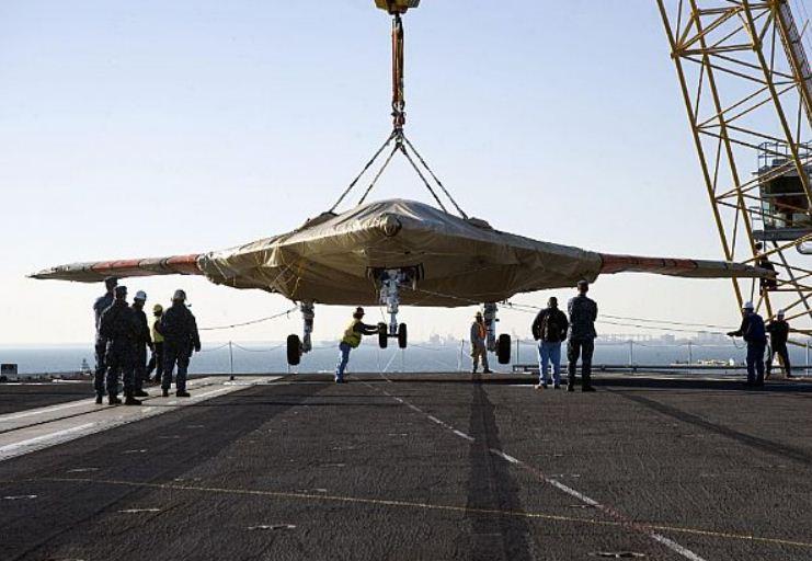 X-47B arrives onboard USS Harry S Truman