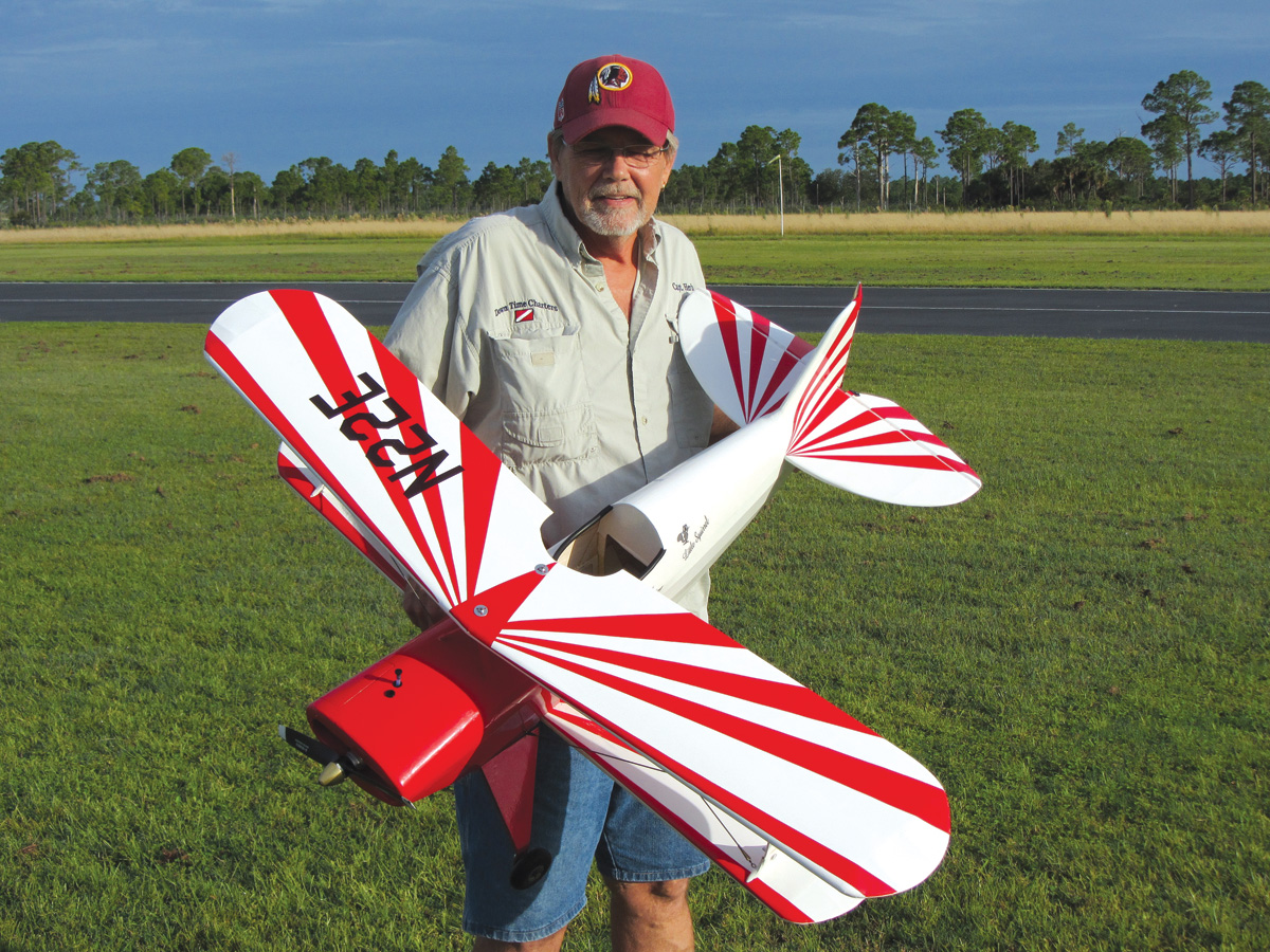 "Pilot Projects: Pitts Special S-1C ""Little Stinker"" [January]"