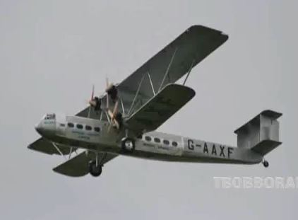 4-engine Handley Page takes flight