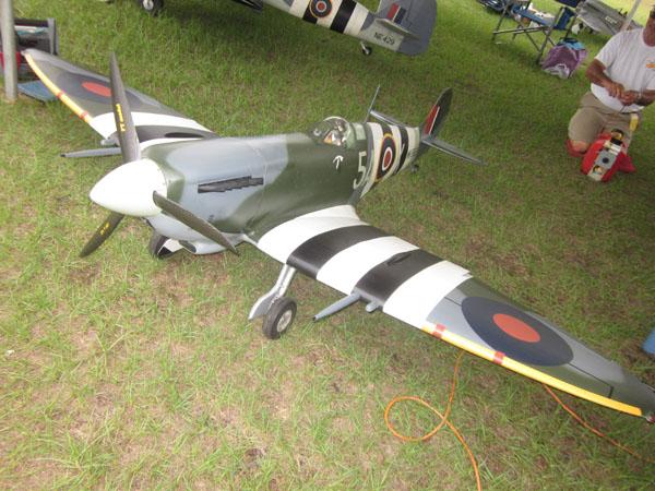 Model Airplane News at Top Gun