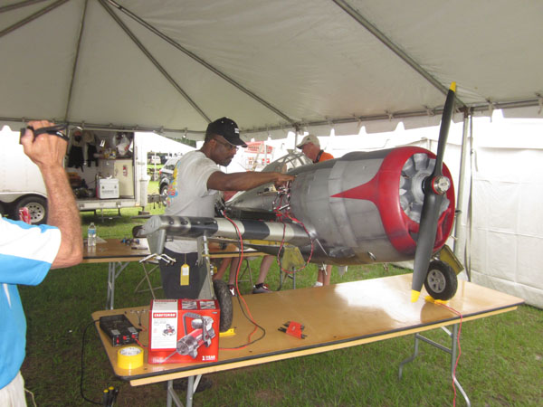 Model Airplane News at Top Gun