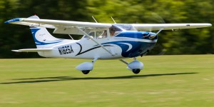 Giant Cessna 182
