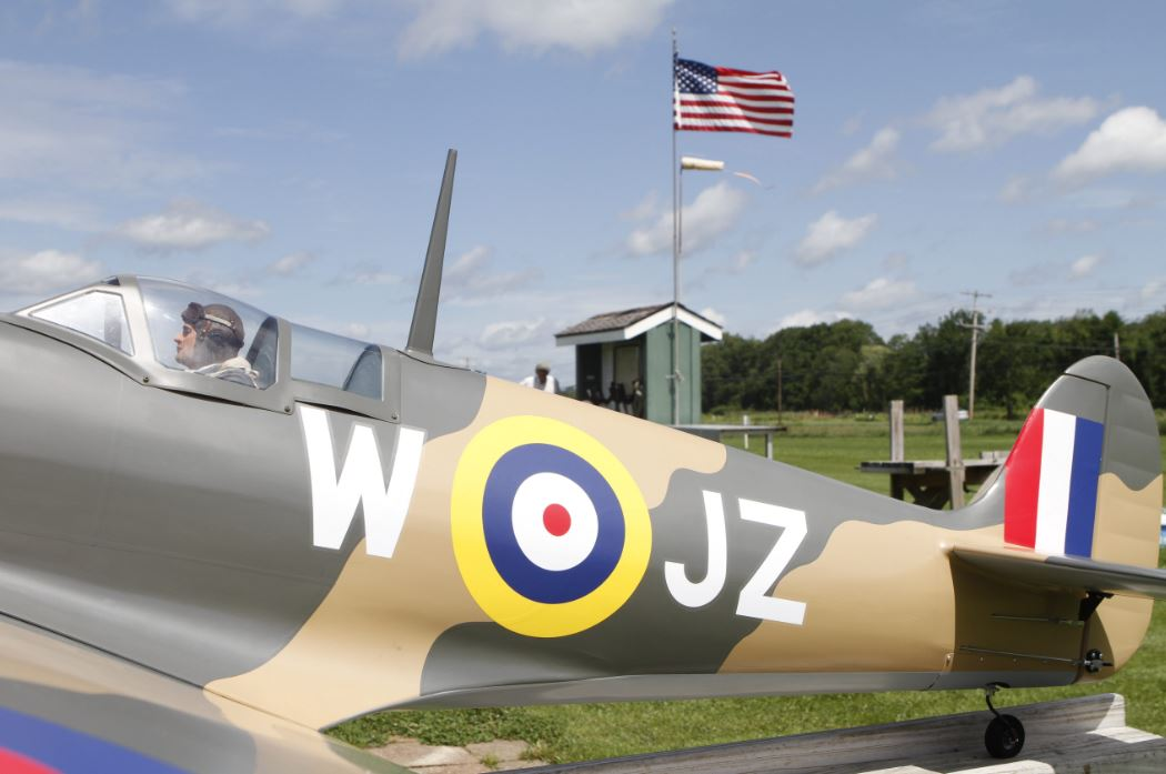 Giant Scale Supermarine Spitfire Mk 9 - Up Close and