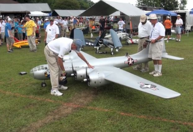 Heavy Bomber Action at Warbirds over Delaware