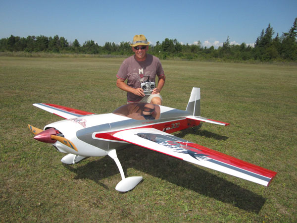 Buddy Kevin Siemonsen with his Hangar 9 Extra 300