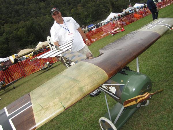 Sneak Peek–Giant Electric Flying Razor