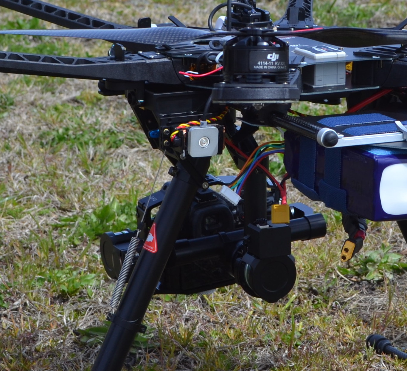 Review: DJI S800 Spreading Wings Hexacopter - RotorDrone