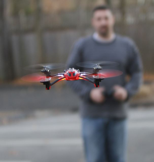 First Look! Alias Quadcopter from Traxxas -- Stability and Performance!!!