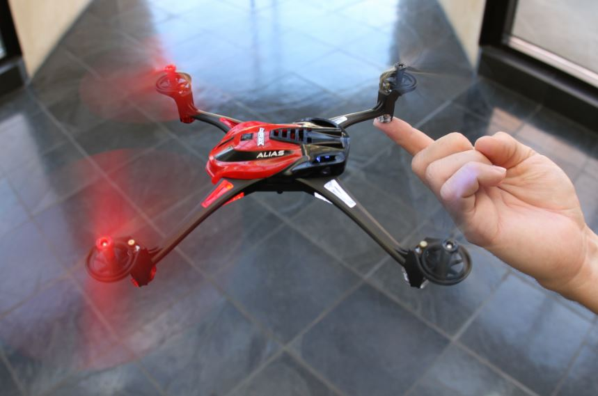 First Look! Alias Quadcopter from Traxxas — Stability and Performance!!!