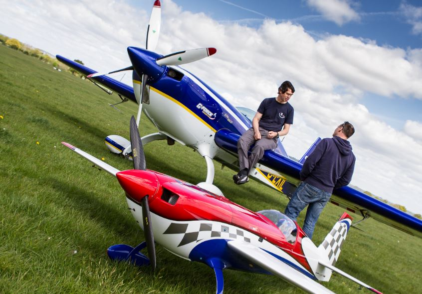 GForce Aerobatics: Full-size & RC Extra Team!