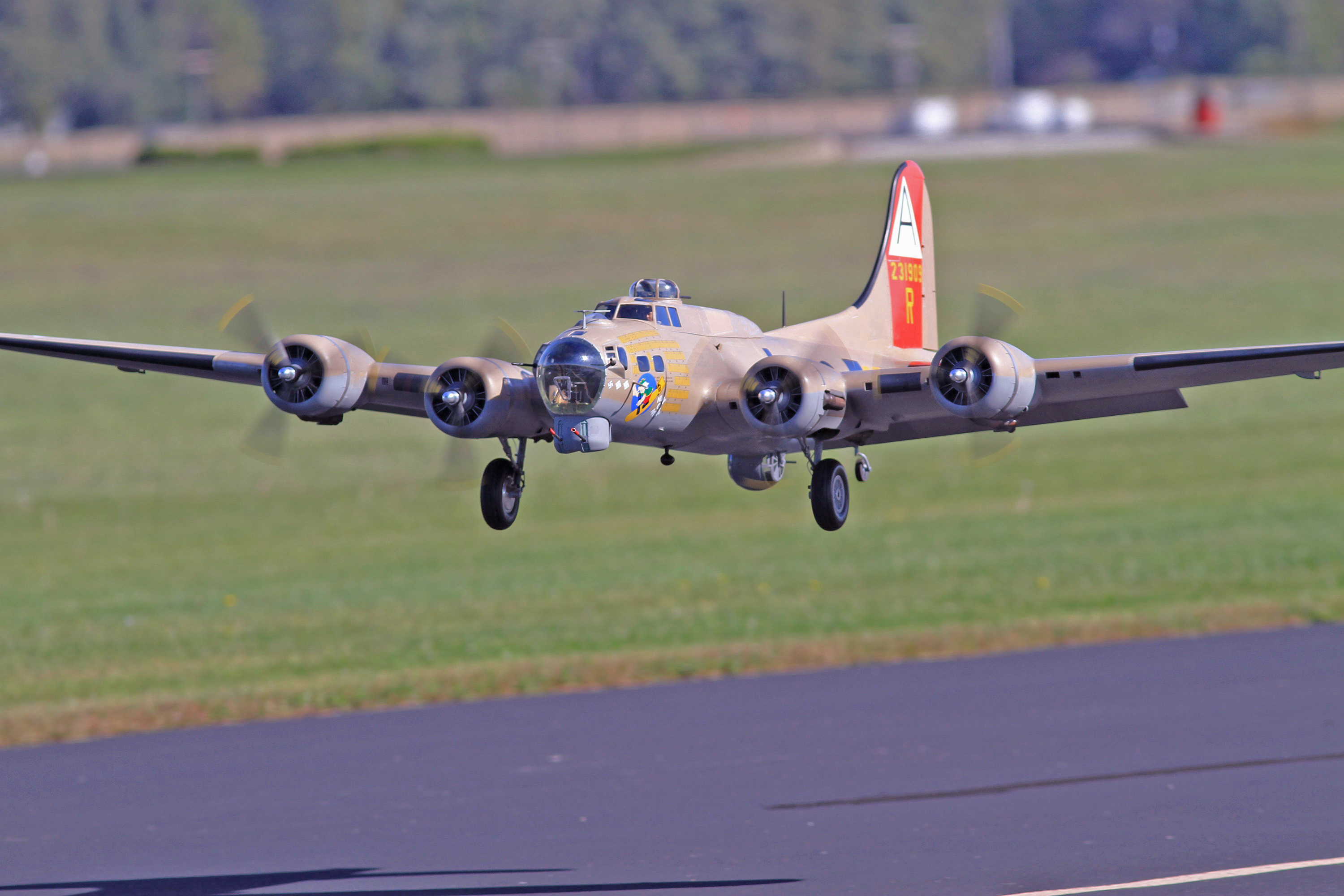 Top Gun Video Interview — Mike Grady — B-17 Flying Fortress