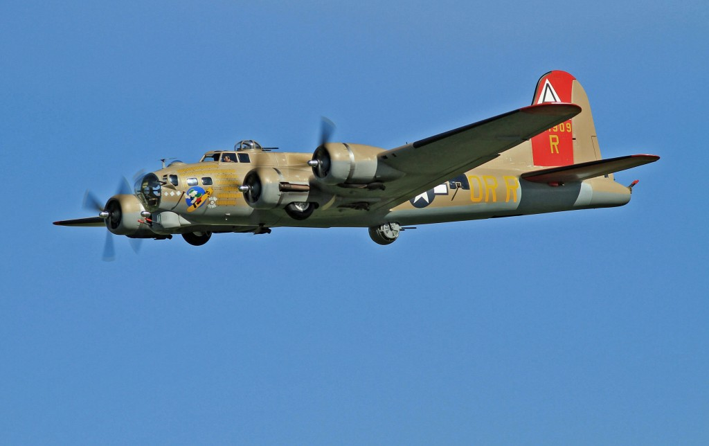 """Road to Top Gun -- Dennis """"Mike"""" Grady -- B-17 Flying Fortress - RC Scale Airplane Competition"""