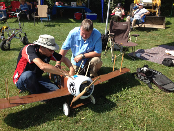 Danny Melnik of DemonAero.com installed the Demon Cortex in my Camel right there in the pit area at the WOD event