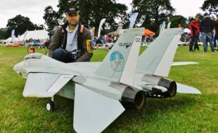 RC F-14 Swing-Wing Tomcat