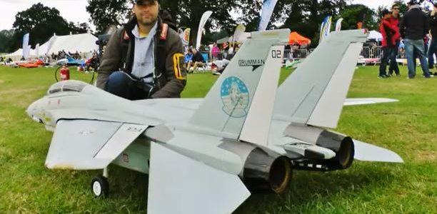RC F-14 Swing-Wing Tomcat
