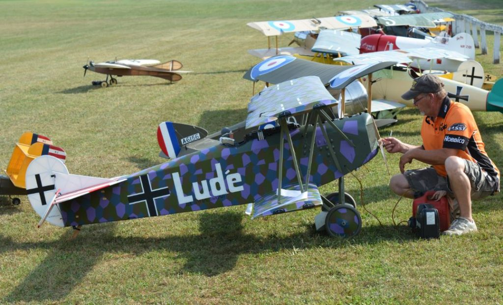 rc plane construction with Best In Show   Gotha Bomber   50th Ora Ww1 Rc Jamboree on Gas Rc Airplanes besides Prc 25 Radio in addition 196695 Messerschmitt Bf 109e Mini Planeur Pss De Conception Perso besides Fj 2 Fury 15 Df Bnf Basic With As3x Techology Efl7250 also Boeing To Drop 4500 Jobs In Order To Reduce Expenses.