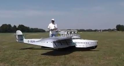Model Airplane Flying Boat with 12 Four-Stroke Engines