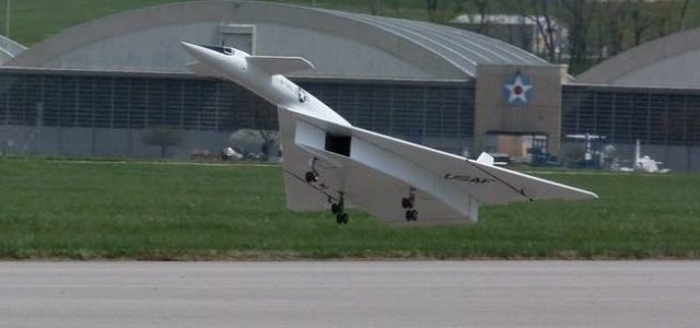 Road to Top Gun — Update: Bret Becker's North American XB-70 Valkyrie flies!