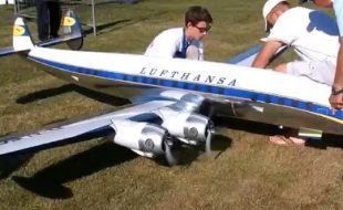 Monster Super Constellation Takes Flight