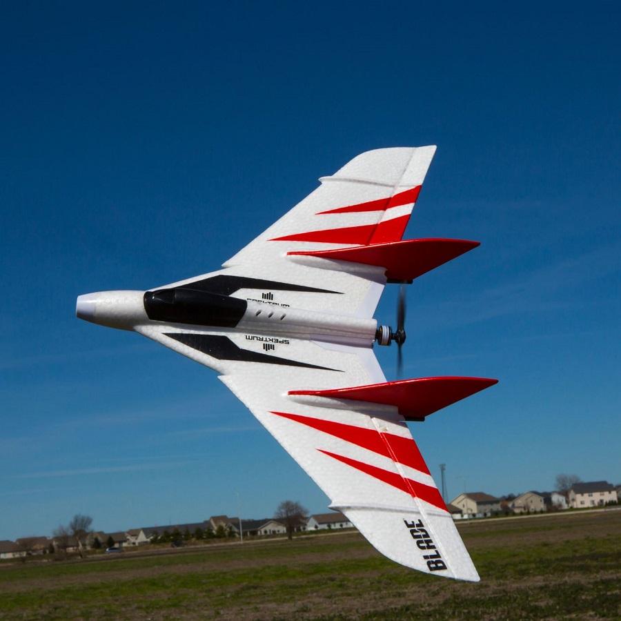 Blade UM F-27 FPV BNF Basic (1)