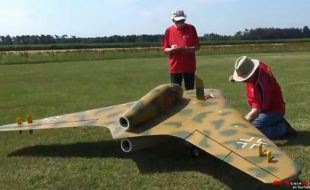 "RC Model WW II ""All-Wing"" Design Takes Flight"