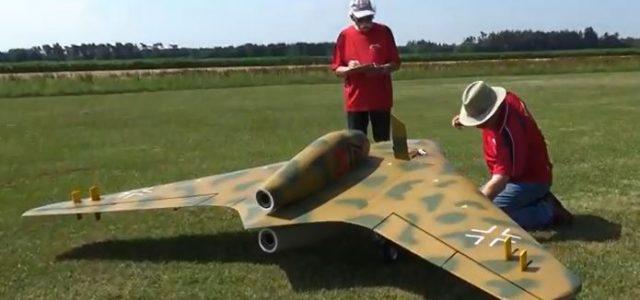 "RC Model WW II ""All-Wing"" Design Takes Flight"