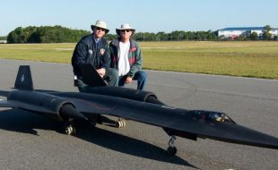 Model Airplane SR-71 Blackbird