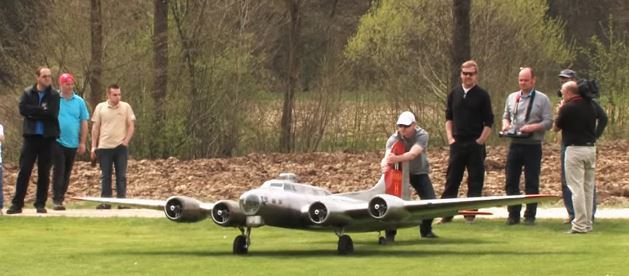 RC Giant Scale Model 19-Foot B-17 Flying Fortress