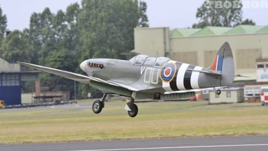 Model Airplane Stupendous 1/3-Scale Spitfire