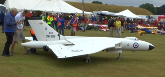 Giant RC  — Monster Avro Vulcan