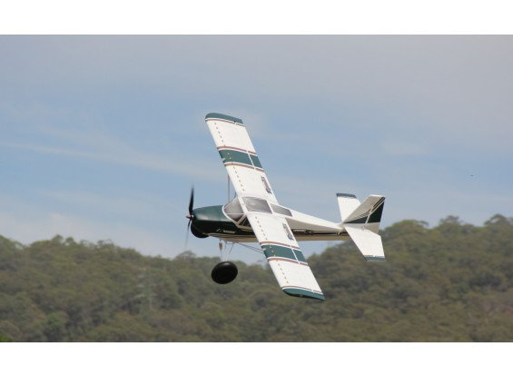 "HobbyKing Avios Grand Tundra 1700mm (67"") Sports Model (PNF)"