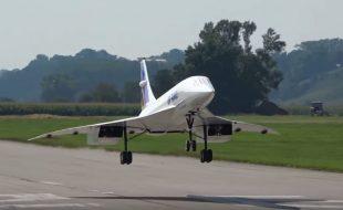 Monster Concorde Takes Flight