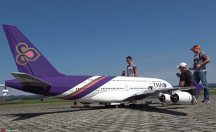 Giant RC THAI Airways A380