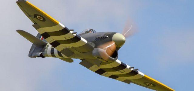英国战斗机小贩暴风又飞